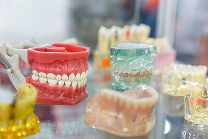 Dental devices manufactured with 3D printing